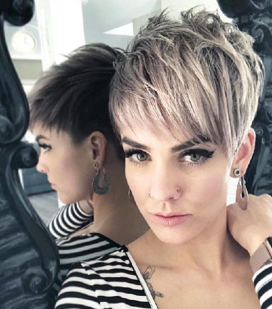 makeup for short hair