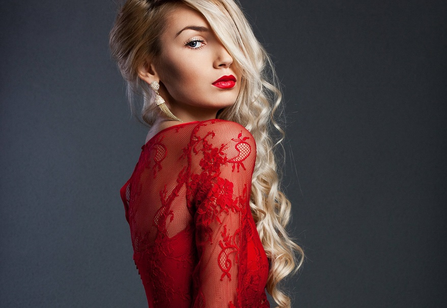 makeup with red dresses